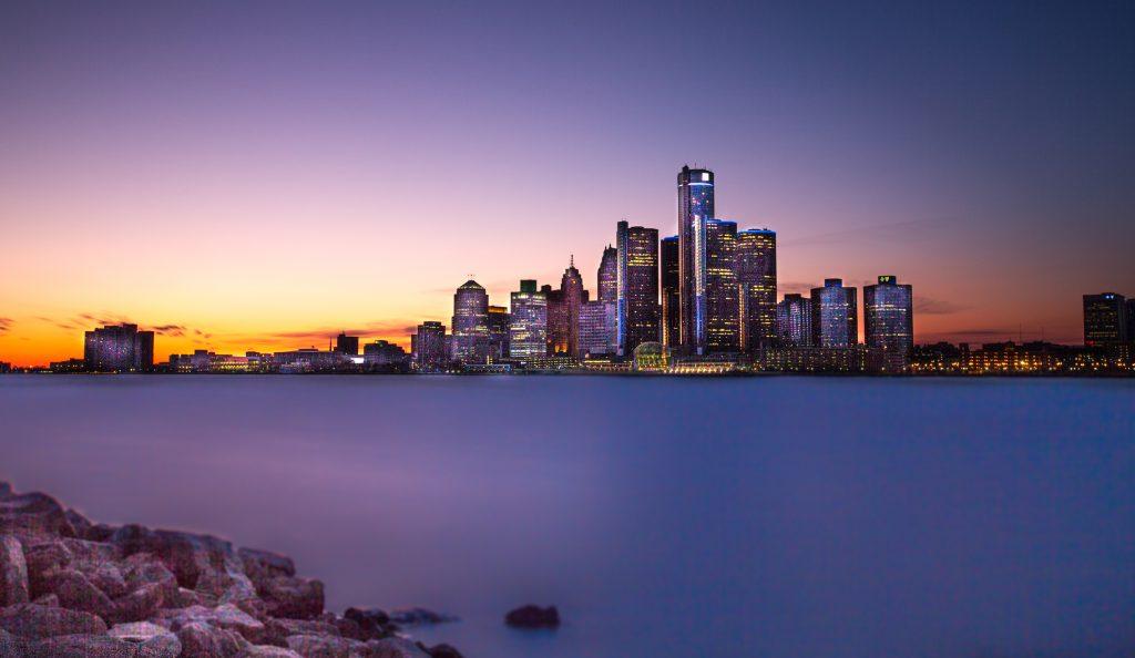 detroit skyline at twilight
